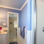 Queen Room Bath